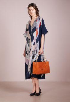 Filippa K KAFTAN DRESS - Freizeitkleid - blue für 394,95 € (10.03.18) versandkostenfrei bei Zalando bestellen.