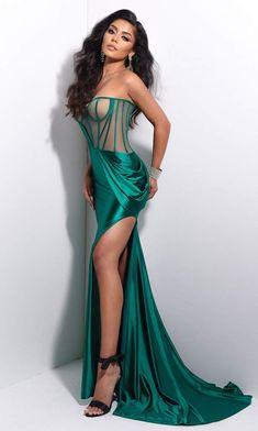 Pretty Prom Dresses, Stunning Dresses, Black Prom Dresses, Beautiful Gowns, Elegant Dresses, Teal Dresses, Long Dresses, Nice Dresses, Satin Gown
