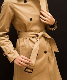 How to Tie a Trench Coat—Front <em>and</em> Back