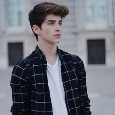 Read Manu Rios from the story Cast Wattpad by jaeffjae (pan) with reads. Beautiful Boys, Pretty Boys, Beautiful Images, Manu Rios Fernandez, Boy Fashion, Mens Fashion, Plaid Fashion, Photography Poses For Men, Boys Dpz