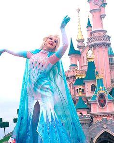Disney Face Characters, Fictional Characters, Frozen Cosplay, Frozen Face, Best Sister Ever, Dream Job, Disney Magic, Disney Parks, Disneyland