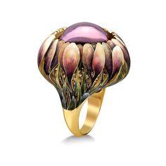 "Stunning-- ""Crocuses"" from Ilgiz Fazulzyanov 750 Gold, Amethyst, Sapphire and Enamel. Bijoux Art Nouveau, Art Nouveau Jewelry, Jewelry Art, Jewelry Rings, Jewelry Accessories, Fine Jewelry, Fashion Jewelry, Trendy Accessories, Pandora Jewelry"