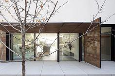 Kfar Shmaryahu House by Pitsou Kedem Architects | Home Adore
