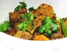 Carne Guisada – Slow Cooked Beef Stew  @Healthilinguist Paleo Crockpot Recipes, Healthy Eating Recipes, Slow Cooker Recipes, Real Food Recipes, Slow Cook Beef Stew, Slow Cooker Pressure Cooker, Dinner Entrees, Paleo Dinner, How To Eat Paleo