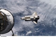 space shuttle appoaching to iss