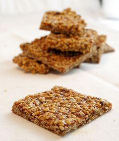 Sesame Seed Snaps by Delishhh. Sesame Seeds Recipes, Yummy Treats, Sweet Treats, Sweet Recipes, Snack Recipes, Dessert Recipes, French Cookies, Healthy Granola Bars, Homemade Crackers