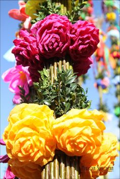 polish easter palms, Lipnica Murowana, photo by Mariola Sułkowska Easter In Poland, Polish Easter Traditions, Solstice And Equinox, Polish Folk Art, My Heritage, Rose, Spring, Flowers, Plants