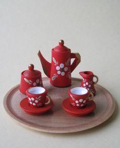 Kaffeeservice rot mit Blumen und Tablett rund Puppenhaus Miniatur - Erzgebirge Volkskunst von Uhlig Seiffen, http://www.amazon.de/dp/B00DF3B7O2/ref=cm_sw_r_pi_dp_lSSVrb0HGX21X