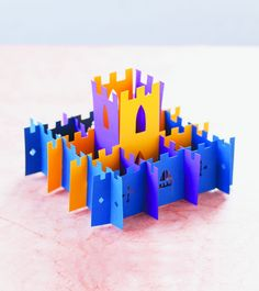 Pop-Up Castle by Paul Johnson, featured in Playing With Paper Easy Crafts, Arts And Crafts, Origami Cards, Paper Art, Paper Crafts, Sunday Paper, Happy Kids, Bunt, Pop Up