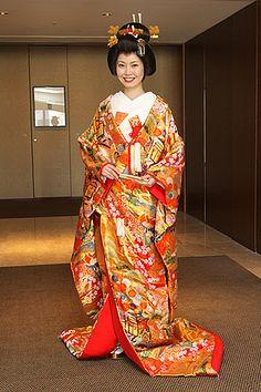 日本の四季と吉祥柄に包まれて