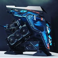 Aviator Gaming: Best store for digital games Gaming Pc Build, Gaming Room Setup, Gaming Pcs, Computer Setup, Pc Setup, Computer Case, Gaming Computer, Gamer Setup, Gaming Rooms