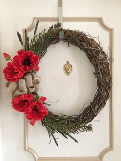 DIY Poppy Wreaths to Honor Our Veterans – Home Trends Magazine