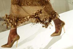 movement in gold #oscardlrlive www.ninagarcia.com