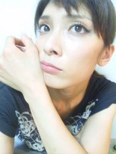 秋元才加オフィシャルブログ :  前髪。 http://ameblo.jp/akimotoo0726/entry-11322050245.html