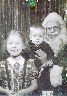 Guess it's that time already! ...22 Creepy & Scary Mall Santas!