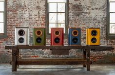 Home Concert With The Deville Loudspeaker From Fleetwood Sound Company. #audiophile #loudspeakers #woodenspeakers #hifi #music #koncert #homedecor #interior #exclusive #oldnewsclub