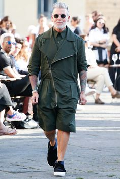 http://www.style.com/slideshows/fashion-shows/spring-2016-menswear/ports-1961/collection/28