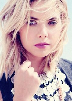 Find images and videos about pretty little liars, pll and ashley benson on We Heart It - the app to get lost in what you love. Pretty Little Liars Hanna, Pretty Little Lairs, Ashley Benson, Short Shag Haircuts, Celebrity Film, Sleek Hairstyles, Layered Hair, Pretty Woman, Short Hair Styles
