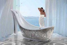 Shoe Shaped Bath Tubs: Bath tubs made for Women