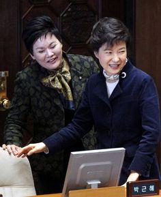 """박근혜 측극 송영선, """"박근혜 대통령 만들려면 돈을 달라…"""" 강남사업가에 돈 요구"""