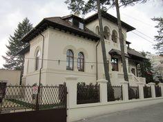 casa in stil neoromanesc Beautiful Architecture, Beautiful Buildings, Architecture Design, Historical Architecture, Cottage, Exterior, Mansions, House Styles, Bucharest Romania