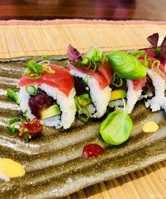 Eines meiner Lieblingslokale in Münster und ein sehr gutes japanisches Restaurant ist das ACACIA am Friedrich-Ebert-Platz.  Ich liebe die Sushi und insbesondere die leckeren Toshi Spezial Rollen Ebifurai mit gebratener Garnele und die Tunatar Rolle. Der gebratene Lachs mit Gemüse ist mein ganz persönliches Highlight...unbedingt probieren.   #Acacia #Japanisch #Münster