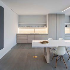 kitchen en dining room - Apartment in Bruges Belgium by Obumex - picture by Annick Vernimmen Photography