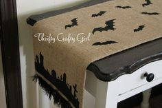 Easy and so cute! DIY Halloween Burlap Runner