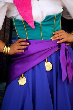 Custom Princess Esmeralda Cosplay Costume,Esmeralda Dress For Women Disney Cosplay, Disney Costumes, Cool Costumes, Adult Costumes, Costumes For Women, Cosplay Costumes, Halloween Costumes, Halloween Diy, Cosplay Ideas