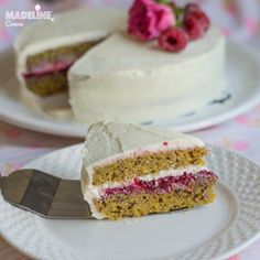 Tort keto cu mascarpone si zmeura / Keto raspberry mascarpone cake - Madeline.ro Mai, Vanilla Cake, Cheesecake, Desserts, Food, Mascarpone, Tailgate Desserts, Deserts, Cheesecakes
