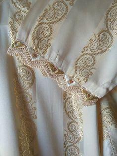 تعليم فنون الخياطة والأشغال اليدوية كخياطة الراندة Caftan Dress, Kaftan, Mardi Gras, Hijab Fashion, Projects To Try, Embroidery, Sewing, Elegant, Crochet