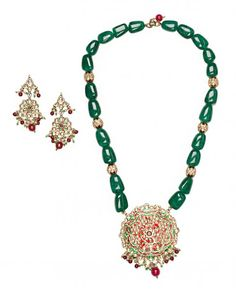 Green Stones Beaded Necklace Set with Kundan Pendant