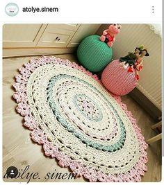 Tapete ultra delicado.. #crochet #croche #handmade #tapete #fiodemalha #feitocomamor #feitoamao #trapilho #totora #knit #knitting #alfombra #decor #quartodebebe #baby #quartodemenina #decor #decoracao #artesanato Por @atolye.sinem