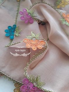 oyalarım Embroidery Patterns, Hand Embroidery, Diy And Crafts, Arts And Crafts, Needle Lace, Lace Making, Filet Crochet, Ladies Dress Design, Mehndi
