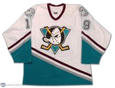 sports shoes 66a75 3ee8c old ducks jersey