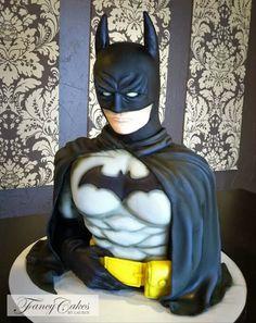 Wow . Perfect batman cake. So creative.