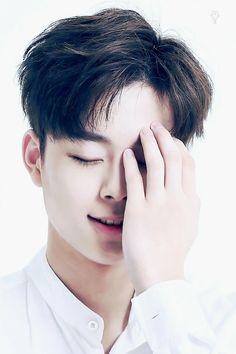 유선호 (Yoo Seon Ho)