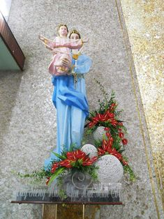 Table Decorations, Google, Flowers, Church Flowers, Party, Virgin Mary, Navidad, Floral, Royal Icing Flowers