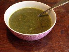 Soep van snijbiet (die ze ook wel 'warmoes' noemen. Een heerlijke soep van een vergeten groente die je makkelijk zelf kunt maken.