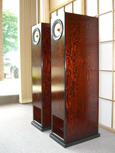 Feastrex, State of the Art - Hi End Speakers from Japan,...the Colour is so beautyful.