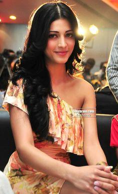 South Indian Actress Photo, Indian Actress Photos, South Actress, Indian Actresses, Beautiful Bollywood Actress, Beautiful Indian Actress, Beautiful Actresses, Beautiful Women, Actress Anushka