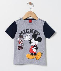 Camiseta infantil    Manga curta    Gola redonda    Com estampa    Marca: Mickey Mouse    Tecido: meia malha         COLEÇÃO VERÃO 2017         Veja mais opções de    camisetas infantis.
