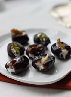 Dates filled with nuts & Persian-style cream