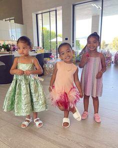 Jenner Kids, Kyle Jenner, Jenner Family, Khloe Kardashian, Familia Kardashian, Estilo Jenner, Silly Photos, Kids Fashion, Fashion Outfits