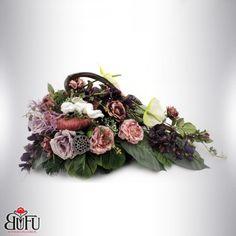 Święto zmarłych 2016 | Bu-Fu Kompozycje kwiatowe Black Flowers, Funeral, Floral Wreath, November, Hair Beauty, Wreaths, Decor, November Born, Floral Crown