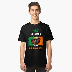 'Vintage Social Distancing Astronaut Helmet Idea' Classic T-Shirt by Randall Shop Magic Johnson, Larry Bird, Shark T Shirt, My T Shirt, Country Music, Jumper, Scary Costumes, Peeling, Death Metal