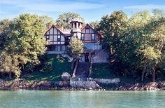 Spicer Castle in Spicer, Minnesota | B&B Rental