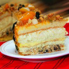 Boa tarde. O Natal Di Norma já chegou!!! Nosso Delicioso Bolo Guirlanda: Massa branca com triplo recheio de coco cremoso, baba de moça, e doce de leite de ameixas. Confeitagem especial de geléia de damasco, frutas e nuts, PARA SUA CEIA DE NATAL!!! Mais informações em nosso site:   #Natal #DiNorma #love #cake