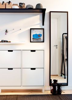 STÄLL white shoe cabinet with four compartments and STAVE black-brown mirror