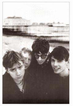 10 great photos of Blur Blur Band, Damon Albarn, Blurred Lines, Blur Photo, Britpop, Important People, Band Photos, Music Covers, Gorillaz